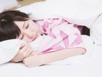 枕カバー&ベッドカバーはどれぐらいの頻度で洗濯する? 大学生の1割はまさかの……