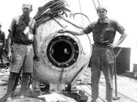 命がけの深海探査。世界初の有人潜水球「バチスフィア」