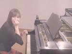 """""""佐野ひなこ""""が隠れた特技を披露!?『めざせポケモンマスター』をピアノで披露!"""
