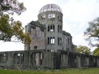 いまだ争われている原爆症認定訴訟 ぎんの ぶどう/PIXTA(ピクスタ)