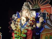 象の鼻を持つガネーシャ像 画像は「Wikimedia Commons」より