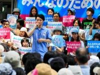 野党3党首が街頭演説。参院選、若者に支持を訴える(写真:Rodrigo Reyes Marin/アフロ)