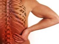 腰痛と一緒に下半身がしびれたら?(shutterstock.com)