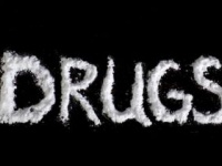 薬物依存者は渇望感にさらされる(shutterstock.com)