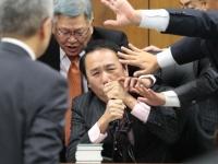 衆院法務委員会での入管法改正案の採決の様子(写真:日刊現代/アフロ)