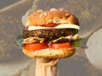 代替肉は海から採取。昆布を使って作る昆布肉バーガー(アメリカ)