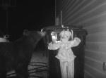 """ゴミ箱を荒らすクマ。その対策のため恐怖の""""ピエロ""""が動く…"""