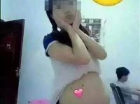今年5月、妊娠した15歳少女が自らSNS上にアップした画像