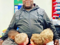 父親をお父さんと呼ぶこともできなかった自閉症の生徒が唯一心を許したのは学校の用務員さんだった(アメリカ)