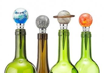 太陽系惑星がボトルキャップに!暗闇で光る魅惑の惑星「ボトルストッパー」が販売開始!