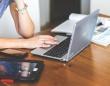 約半数の働く女性が、フリマアプリを使用!   主な利用方法は?