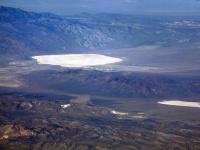 「エリア51」遠景 画像は「Wikipedia」より