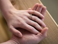 結婚したらお財布は「一緒or分ける」どっちがいい? 大学生の結婚観は……