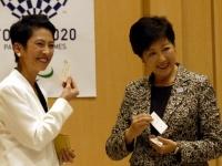 民進党の蓮舫代表(左)と東京都の小池百合子知事(右)(写真:日刊スポーツ/アフロ)