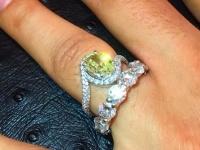 タイリース・ギブソンの妻の指に輝くダイヤの指輪 (c) Instagram