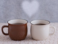 コーヒーと紅茶、大学生世代に人気なのはどっち?【大学生の常識どっち】