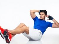 昔ながらの「腹筋運動」は推奨されていない(depositphotos.com)