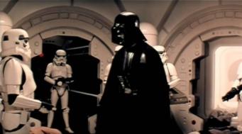 吹き替え前、スター・ウォーズの初代ダース・ベイダーを演じたデヴィッド・プラウズ氏による音声映像
