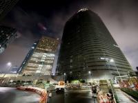 社員の過労自殺を受けて22時に消灯された電通本社ビル(写真:東洋経済/アフロ)