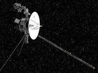 宇宙空間を飛行中のボイジャー探査機の想像図(提供:NASA)