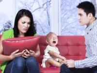 育児は母親だけの仕事ではない(shutterstock.com)