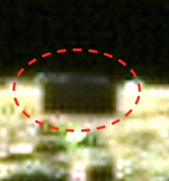 またしても月に驚きの建造物?黒い直方体の物体が月面に置いてあった