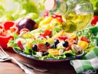 「地中海食」はアルツハイマー予防にも(shutterstock.com)