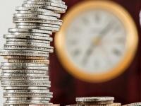 お金があれば挑戦したい! 社会人が気になっている資産運用ランキング