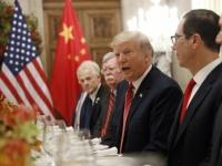 米中首脳会談に臨むアメリカのドナルド・トランプ大統領(写真:AP/アフロ)